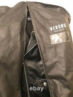 VERSACE VERSUS BLACK LEATHER MOTO JACKET Withsafety pin detail soft leather 52/XL